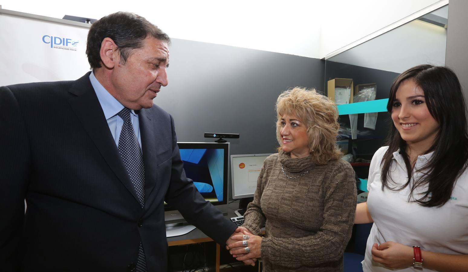 El consejero de Sanidad, Antonio María Sáez Aguado, visita las instalaciones de Aspaym. Valladolid