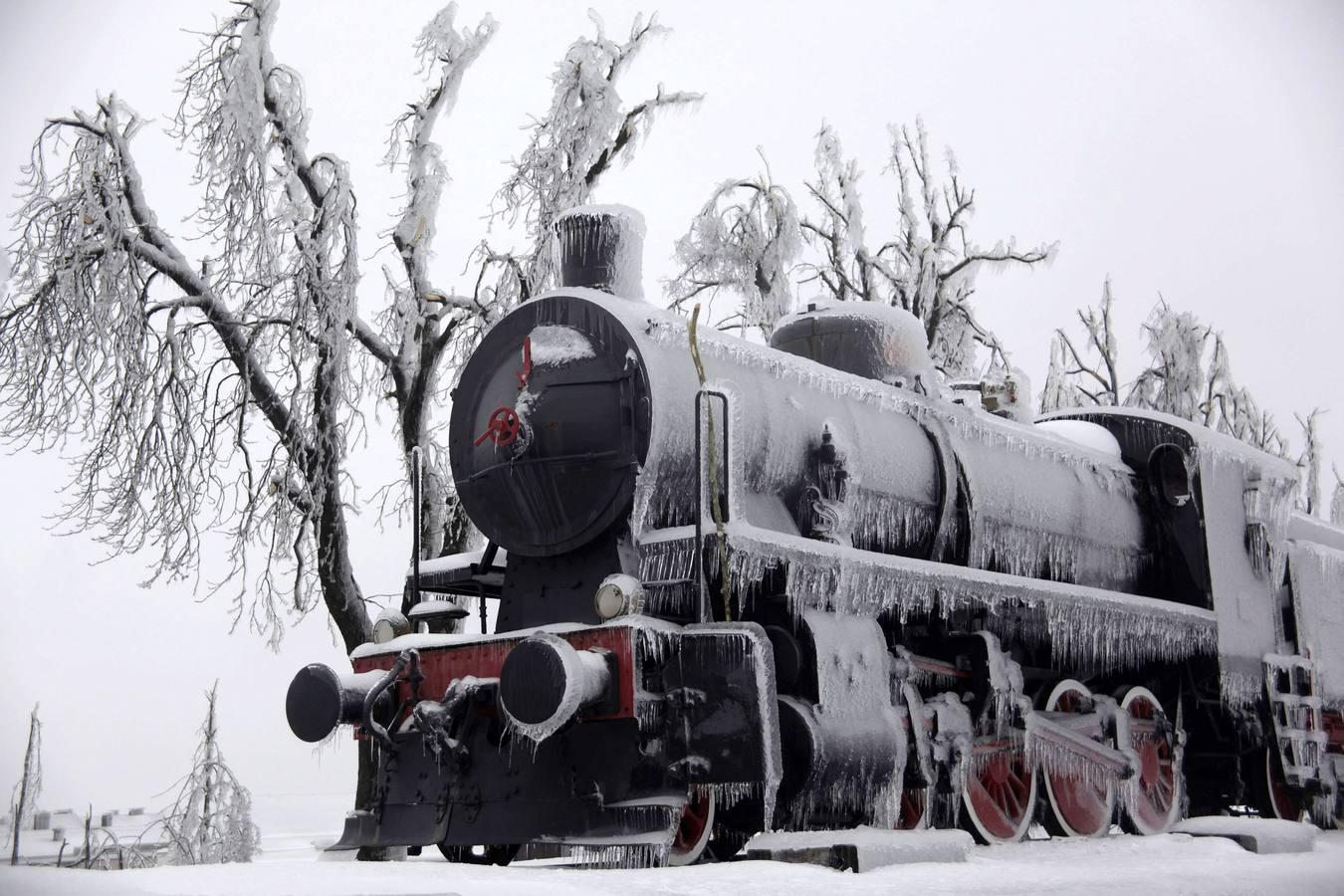 Las imágenes más espectaculares del temporal de frío y nieve en Eslovenia y Hungría