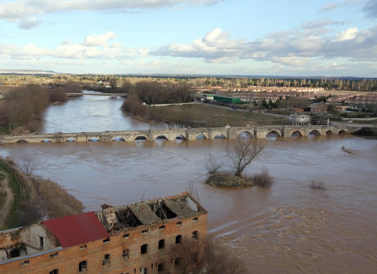 El río Pisuerga a su paso por Simancas