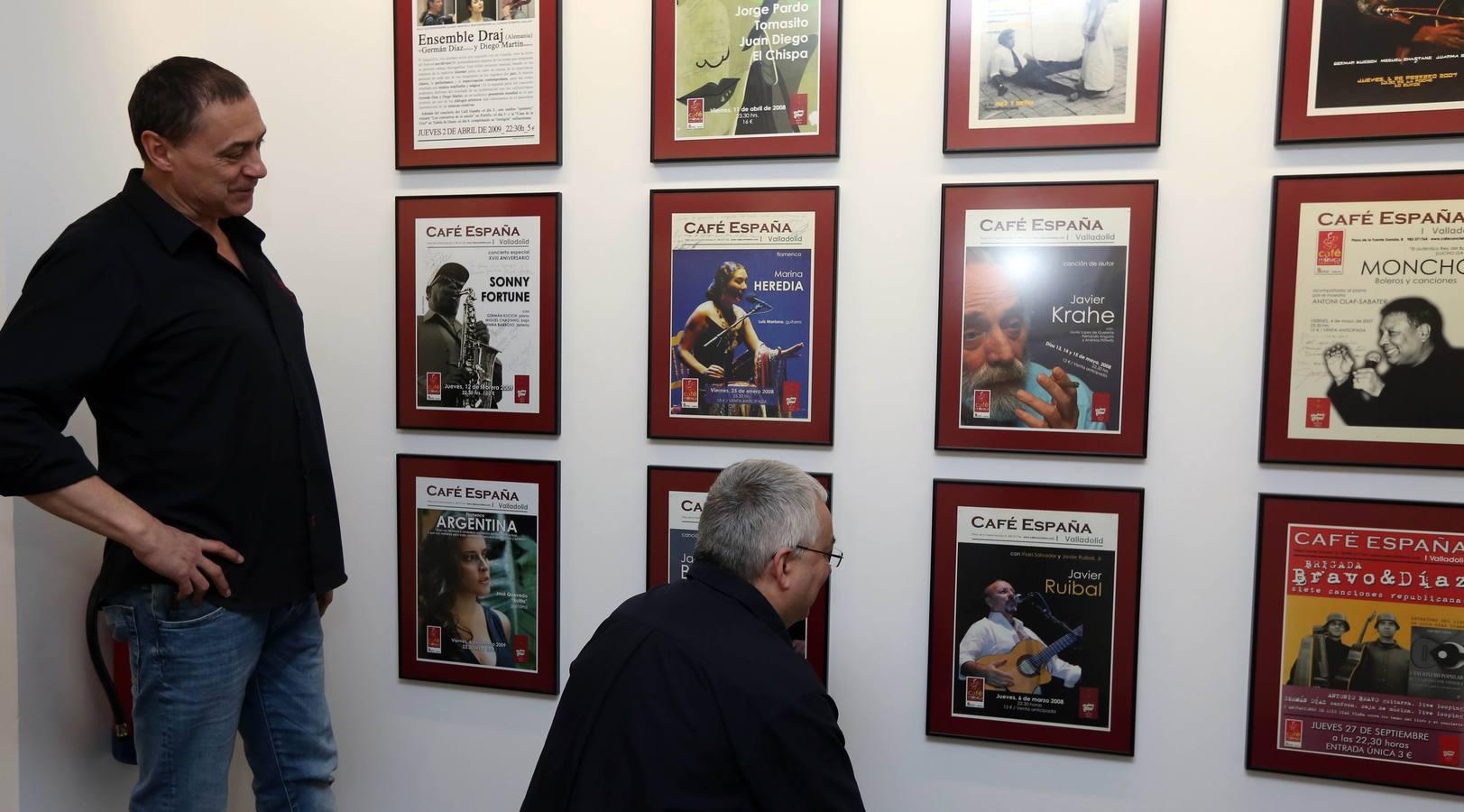 Exposición 'Café España (1991-2009), siete mil días de aventura y dos mil noches de gloria'