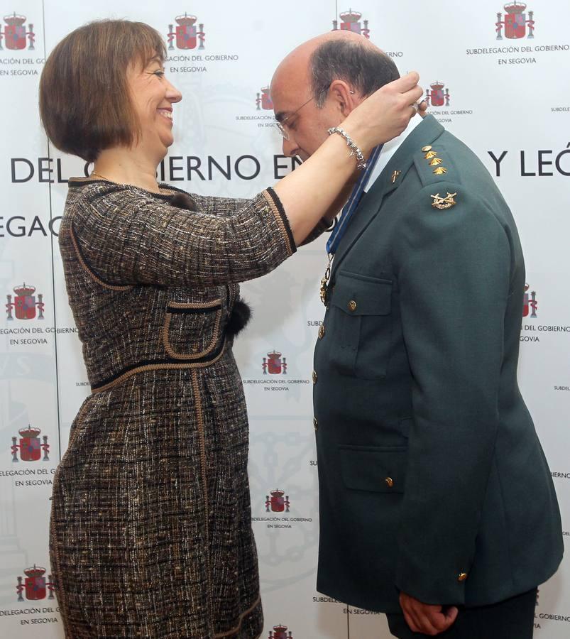El coronel Juan Miguel Jiménez recibe en Segovia la Encomienda de la Orden del Mérito Civil