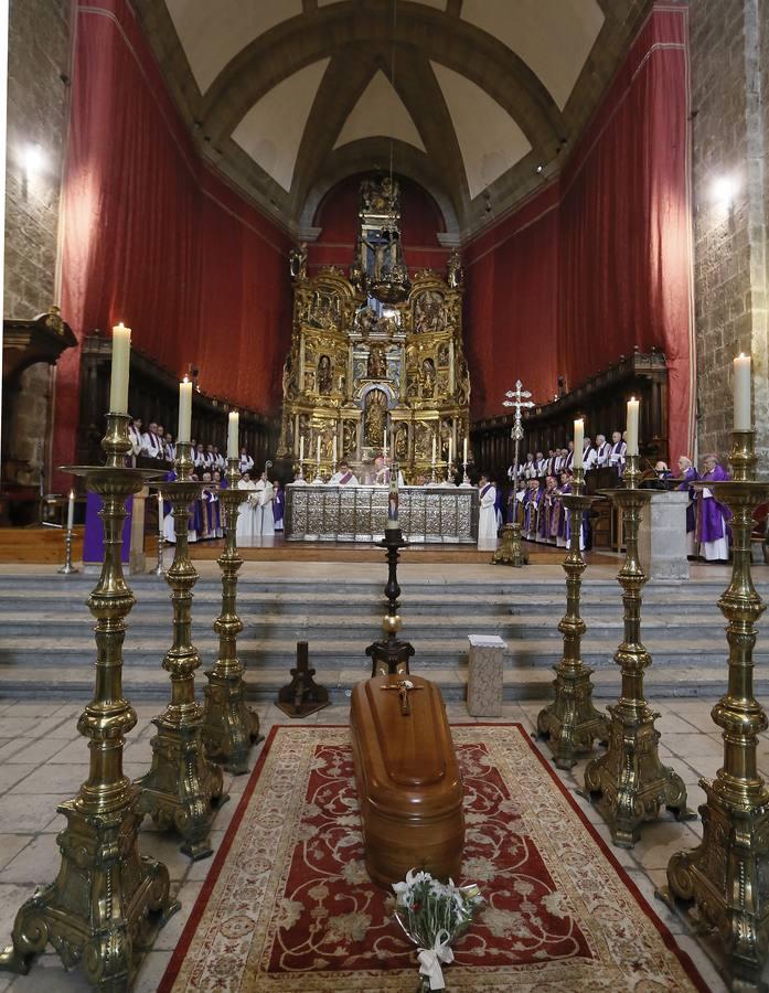 Funeral de José Delicado Baeza en la Catedral de Valladolid (2/2)