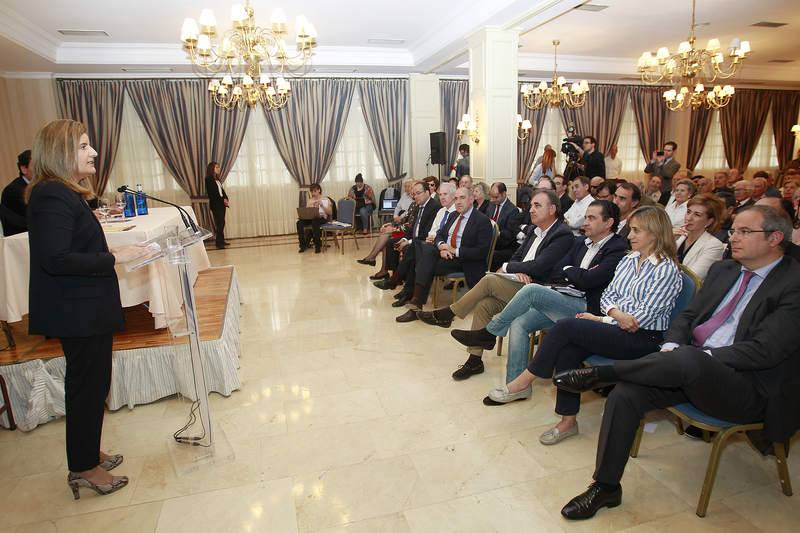 Visita de la ministra Fátima Báñez a Palencia