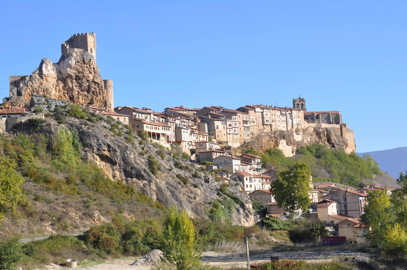 La localidad burgalesa de Frías, uno de los pueblos más bellos de España