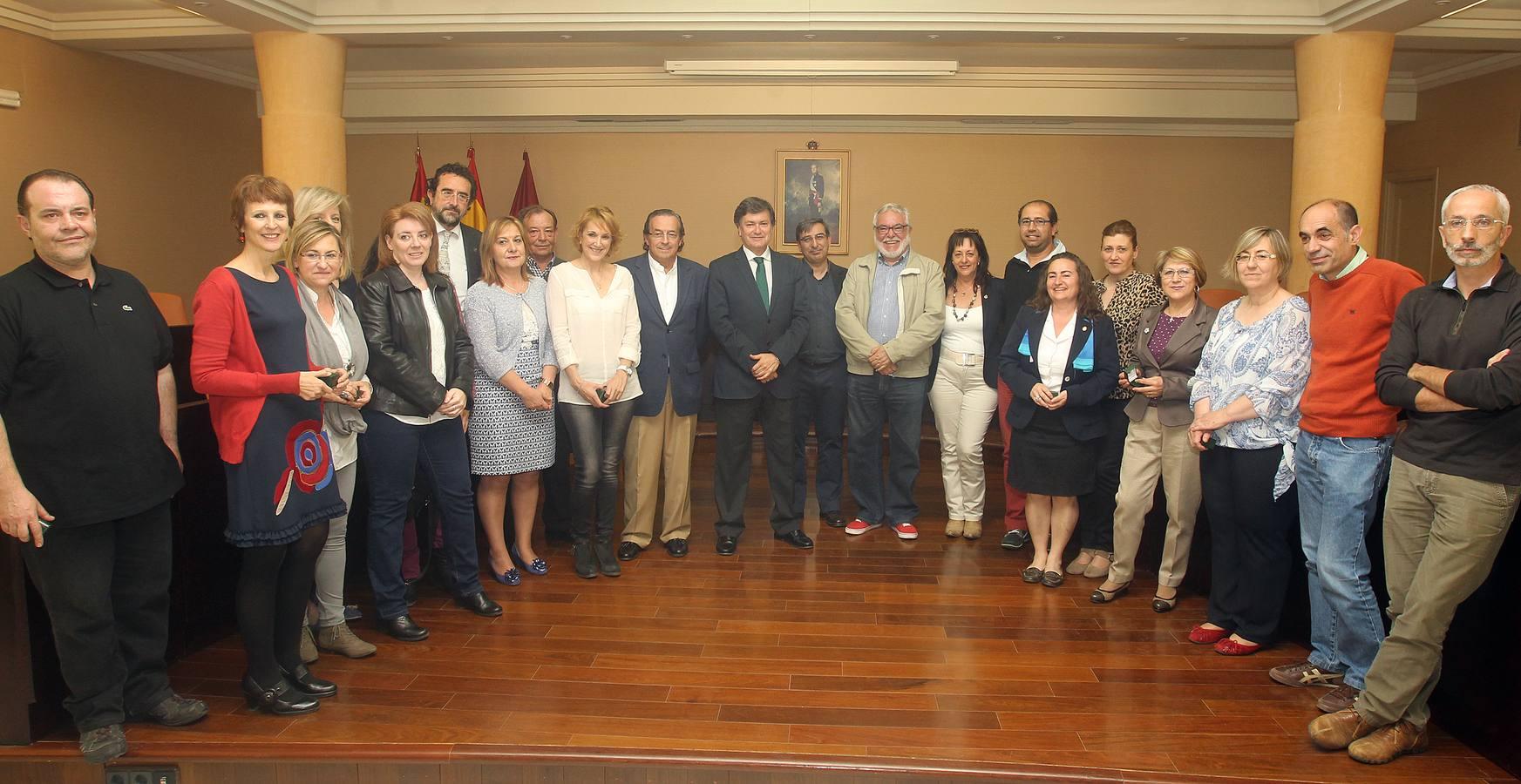 Entrega de medallas a los funcionarios de la Diputación de Segovia