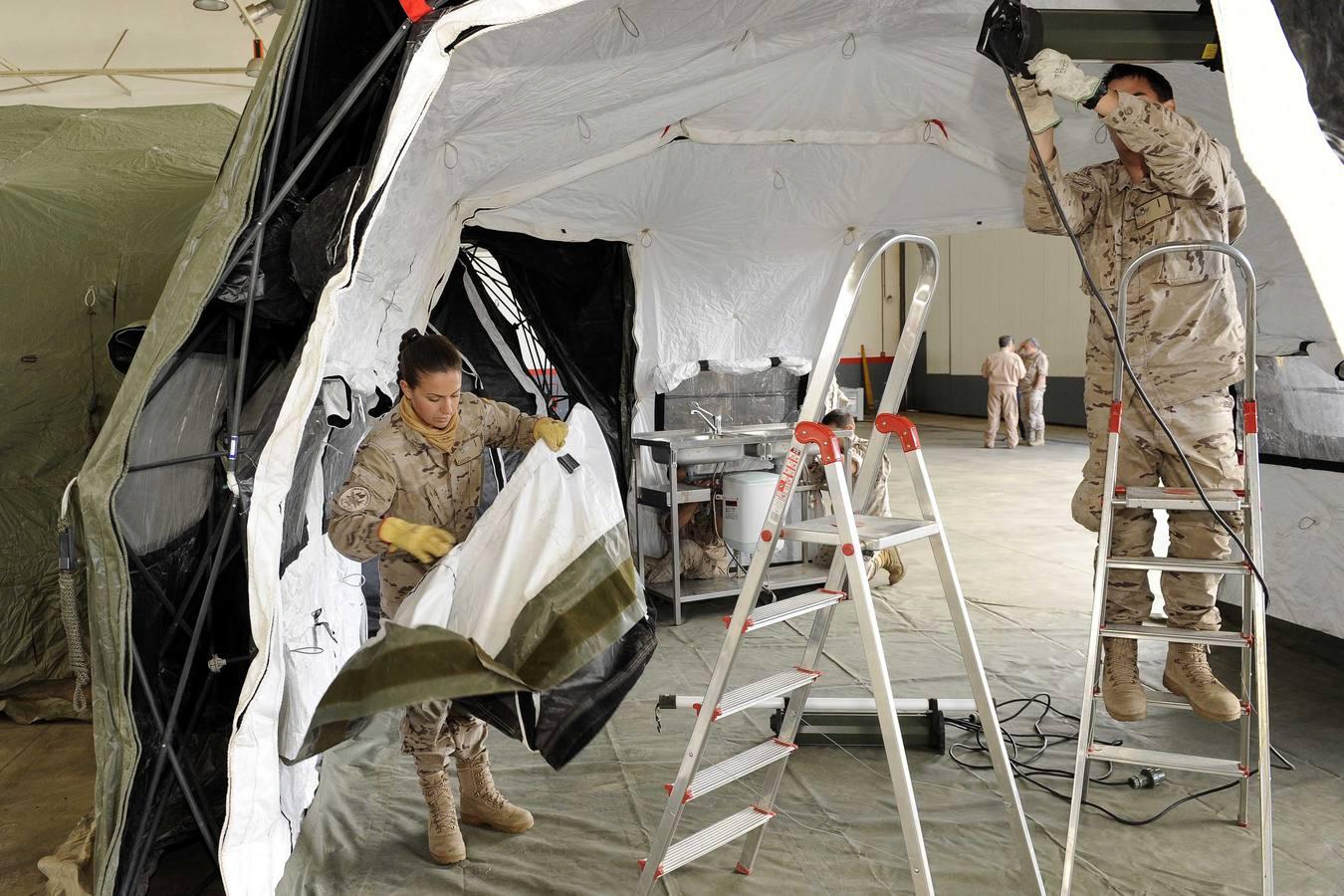La Cruz Roja y unidades militares realizan un simulacro de catástrofe en la base aérea de Villanubla