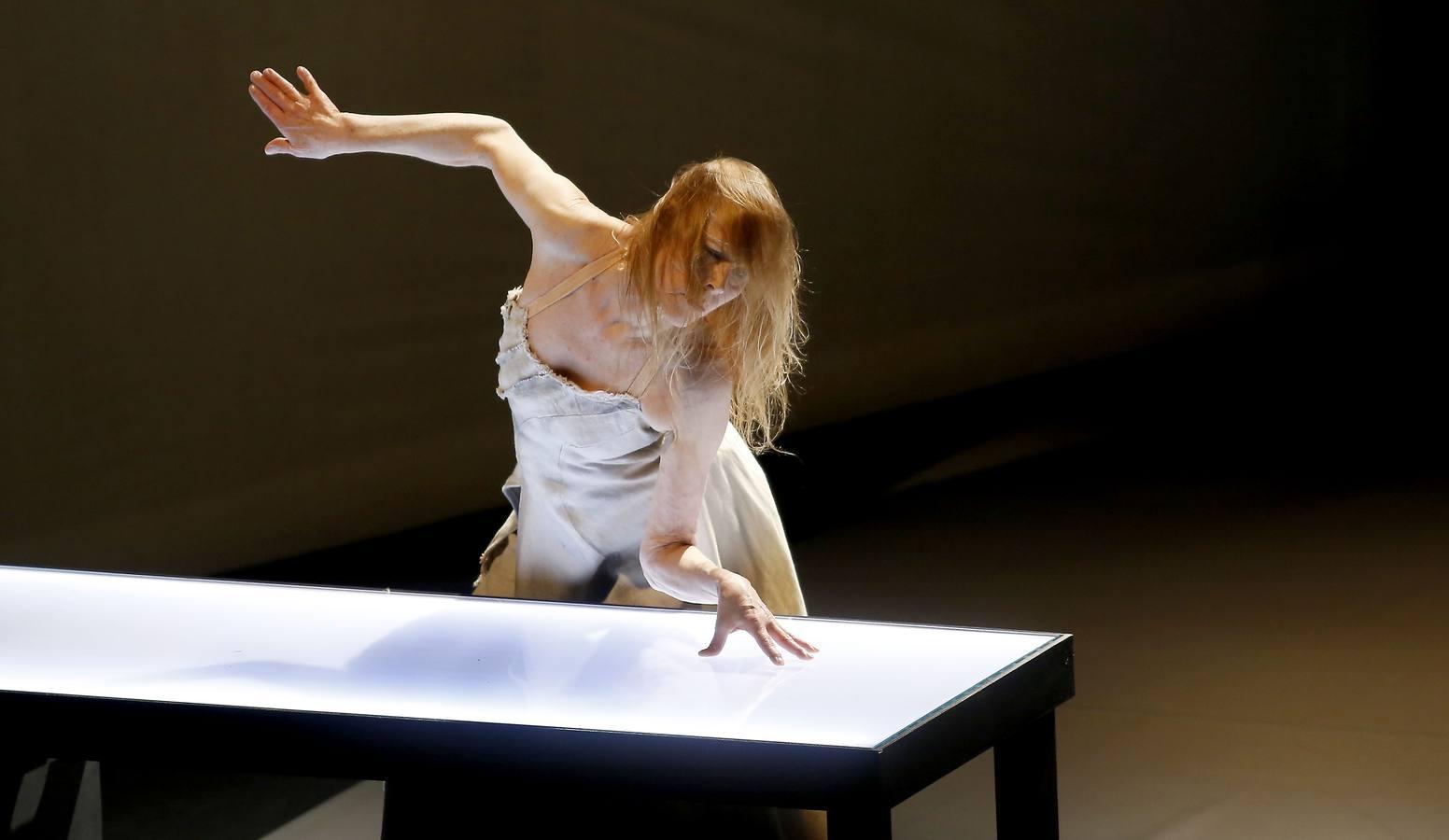 La actuación de Carolyn Carlson en el LAVA inaugura el TAC 2014