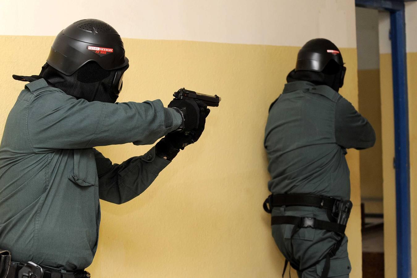 Efectivos de los cuerpos de seguridad realizan prácticas de intervención en inmuebles